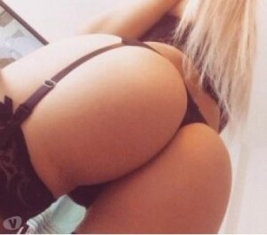 Charlotte-marie couple escort girl Blue Springs