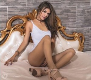 Alexine russian escorts in Myrtle Grove, FL