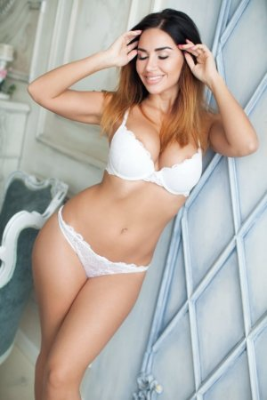 Andreina jewish escorts in Orange Cove